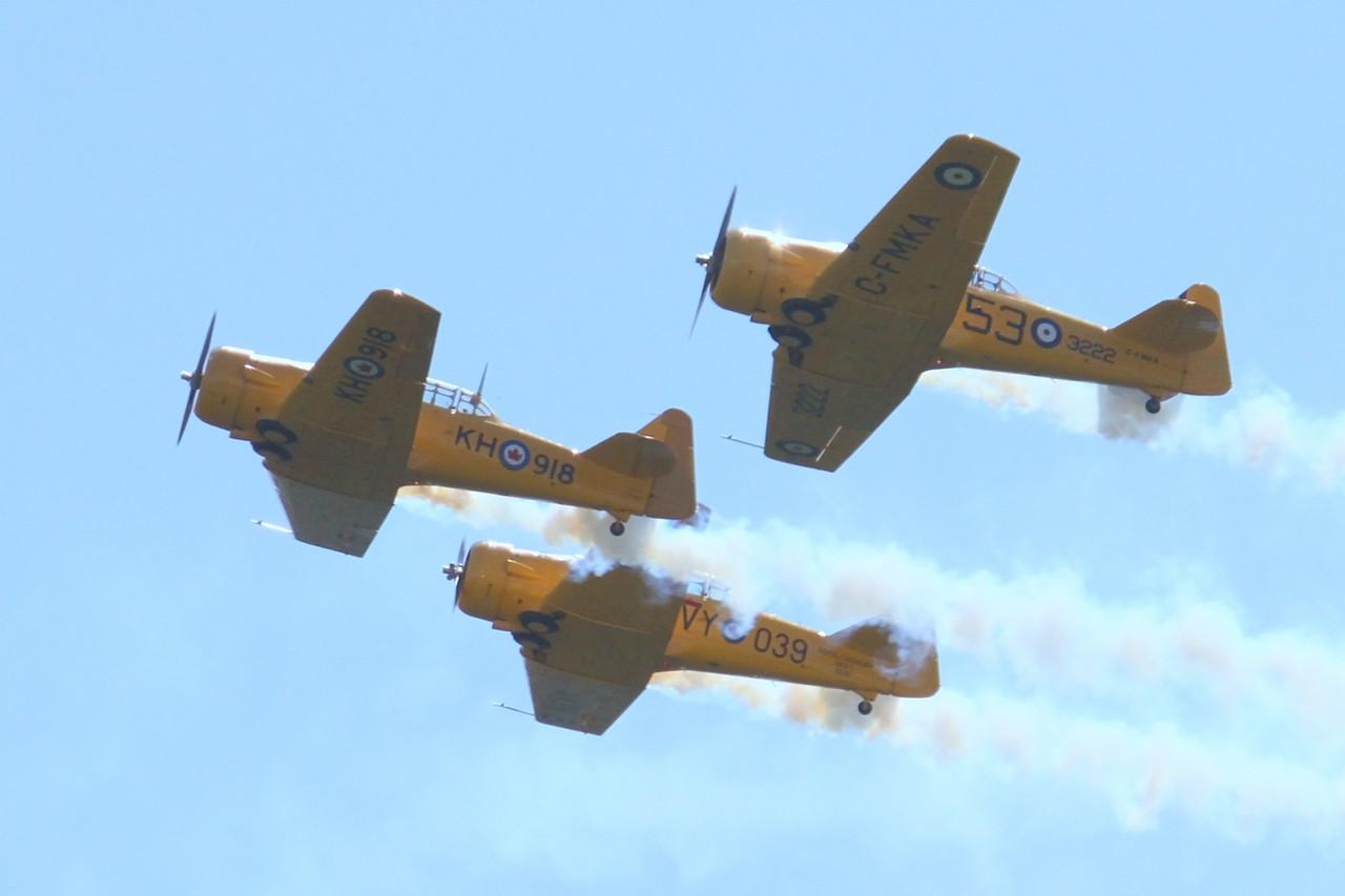 Canadian Harvard Aerobatic Team