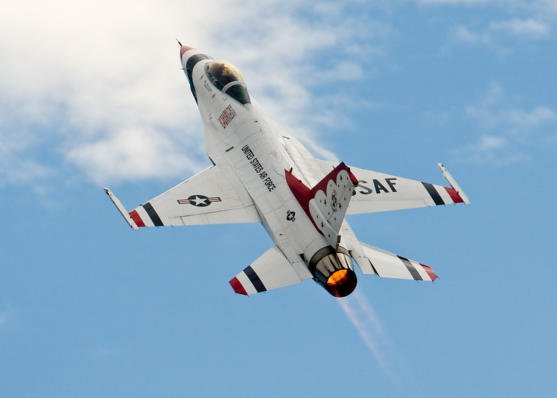 USAF Thunderbirds F-16 Viper - Fort Worth Alliance Airshow 08<br /> <br /> ©  Jon Berry 2009<br /> All Rights Reserved