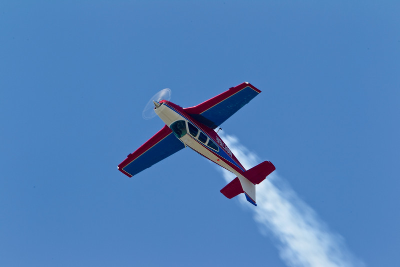 77 year old Pat Epps flying a 37 year old  Bonanza