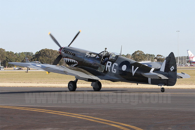 Temora Aviation Museum's Supermarine Spitfire VIII VH-HET