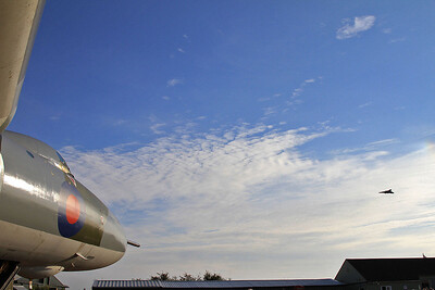 XH558 arrives over Newark Air Museum and XM594 - 11/10/15.