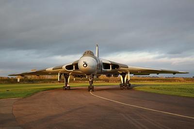 Avro Vulcan B.2, XM655, in nice evening light - 28/10/17