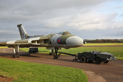 Avro Vulcan B.2, XM655, with tractor unit - 28/10/17