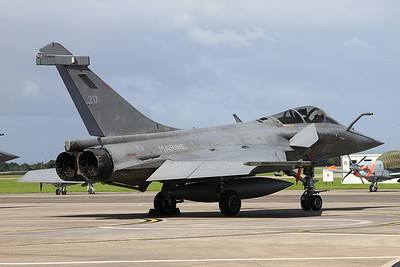French Navy Dassault Rafale M, 20, on the pad ready for later display - 02/07/16.