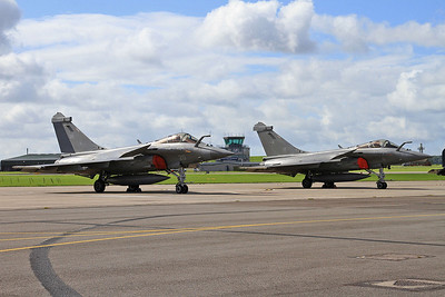 French Navy Dassault Rafale M's, 20 & 6, on the pad ready for later display - 02/07/16.