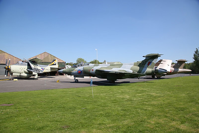 ex-RN Fairey Gannet AEW.3, XL502 & ex-RN & RAF Blackburn Buccaneer S.2B, XV168 - 06/05/18