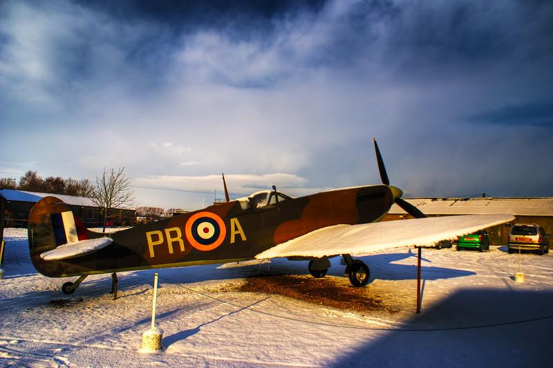 Supermarine Spitfire I - R6690