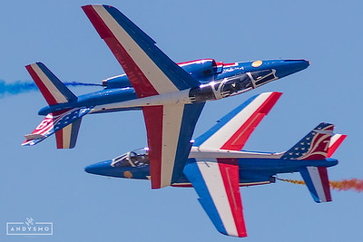 Patrouille de France knife edge pass