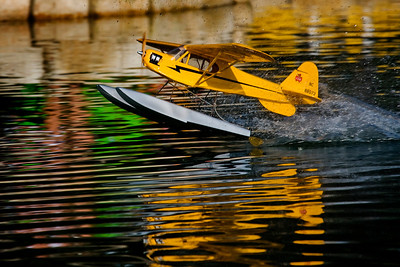RC Piper Cub Floatplane