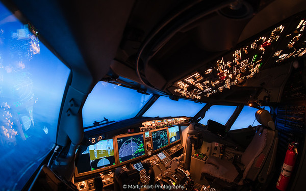 Boeing 737 Max 8 at night II