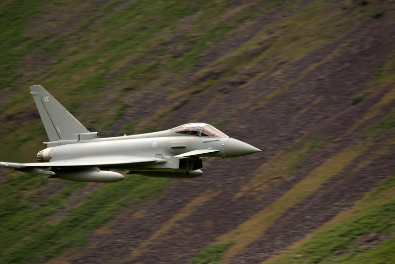 Eurofighter Typhoon from 2010-6 Sqn FGR4 ZK307 EE. Low fly