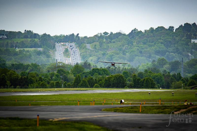 Cessna 140 Landing at KJYO