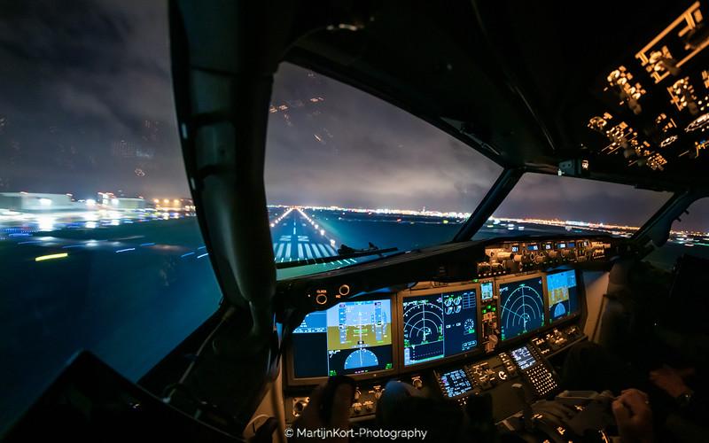 Landing rwy 22 Boeing 737-8 Max