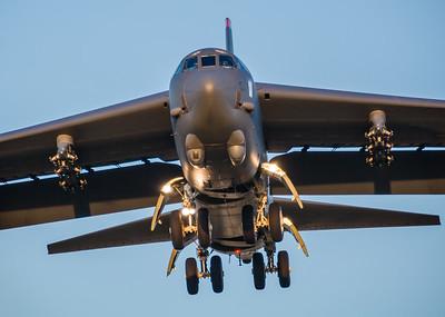 B52 Landing