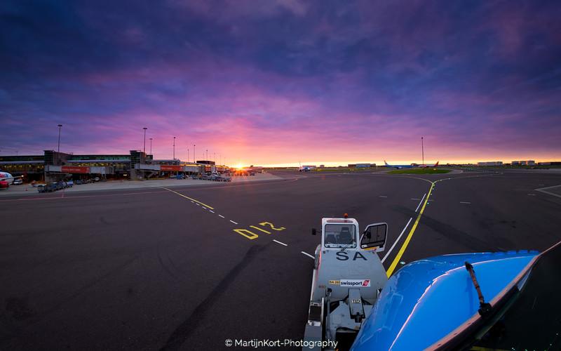 Crazy sunrise at Schiphol