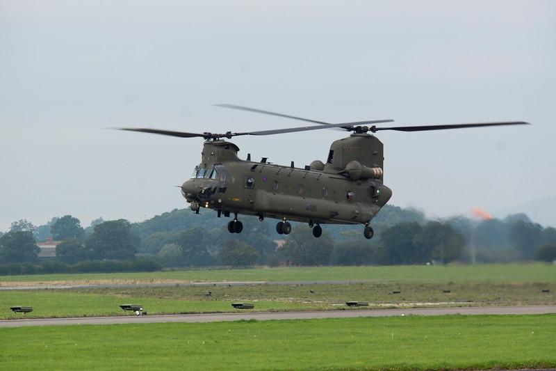 RAF - Boeing Chinook HC4 - ZA713