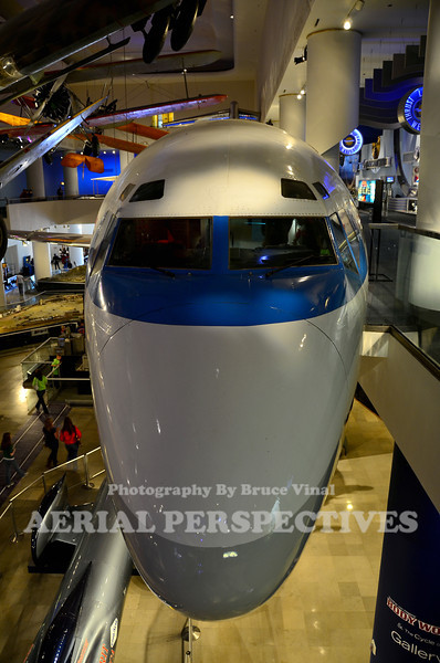N7017U - United Airlines Boeing 727 Made it's final landing at Meigs Field