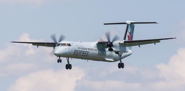 Air Canada Express Bombardier Q400 (DH4)