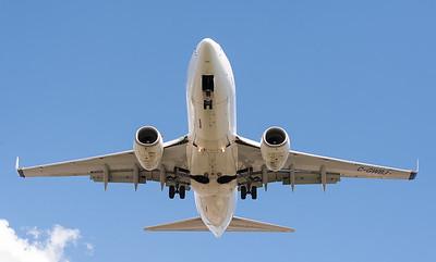 Westjet 737 on final approach