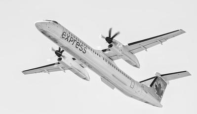Air Canada Express Q-400 departing Thunder Bay, Ontario