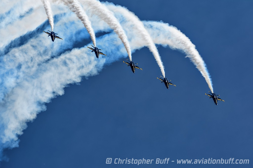 Line-Abreast Loop - Christopher Buff, www.Aviationbuff.com