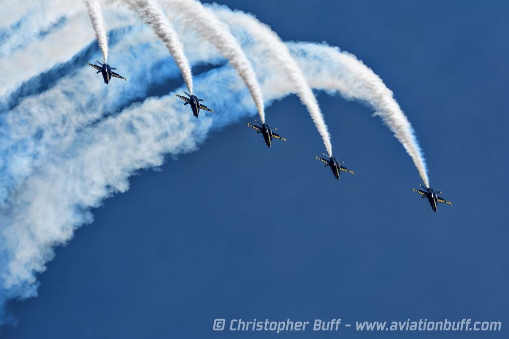 Line-Abreast Loop - Christopher Buff, www.Aviationbuff.com