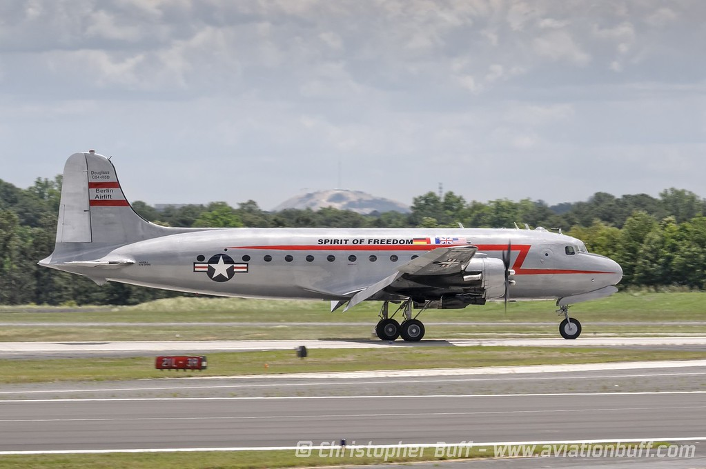 Spirit of Freedom Arrival - By Christopher Buff, www.Aviationbuff.com