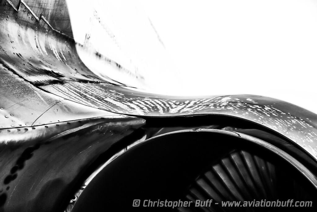Pod Lines - By Christopher Buff, www.Aviationbuff.com