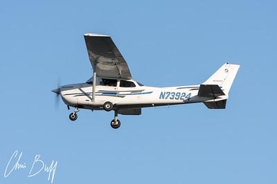 Skyhawk Departure - N73924 - 2016 Christopher Buff, www.Aviationbuff.com