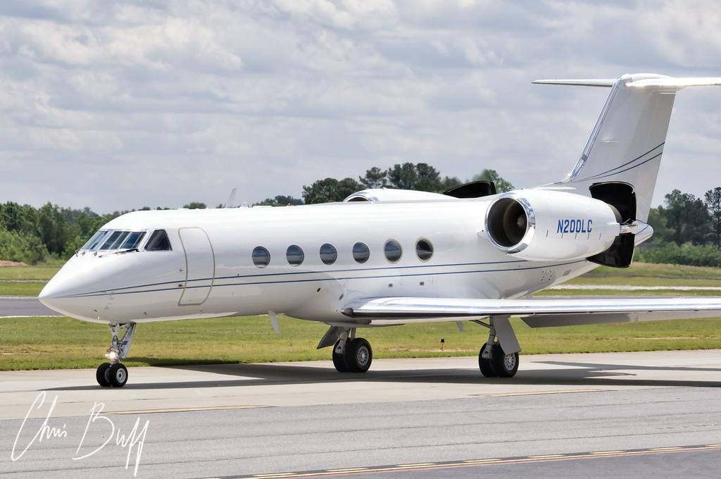 Gulfstream GIV N200LC - By Christopher Buff, www.Aviationbuff.com