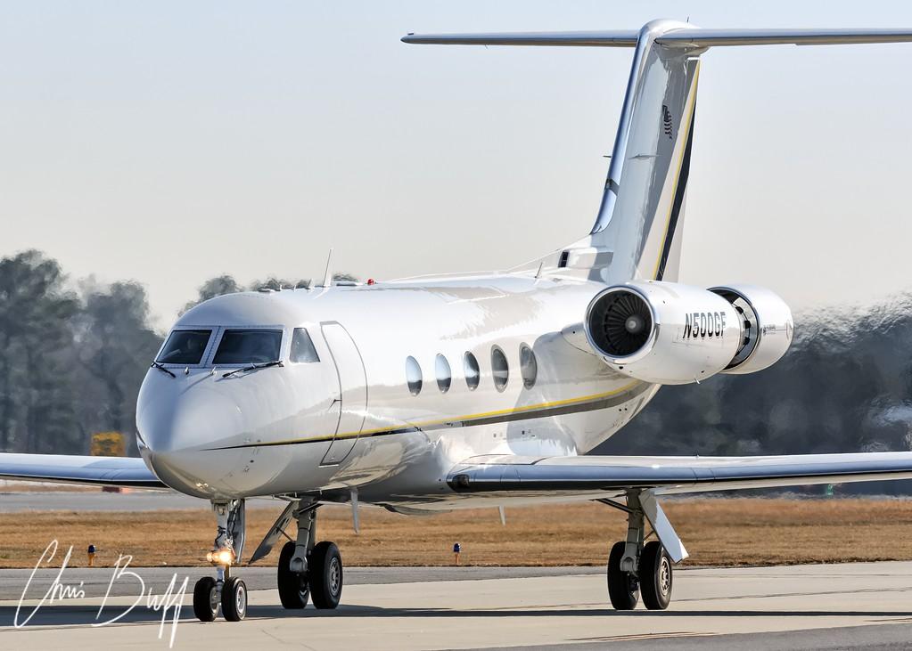 GIII Arrival - Christopher Buff, www.Aviationbuff.com