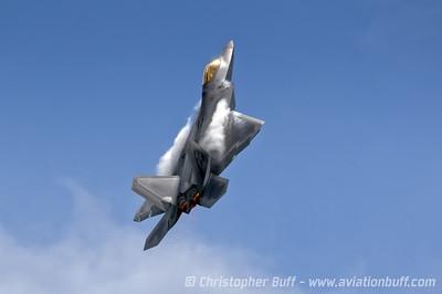 Raptor Going Vertical - 2014 Christopher Buff, www.Aviationbuff.com