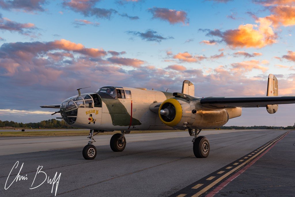 Killer B Sunset Arrival - 2017 Christopher Buff, www.Aviationbuff.com