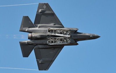 F-35C Weapons Bay Pass