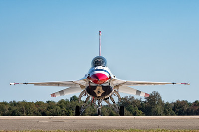 USAF Thunderbird F-16 Fighting Falcon