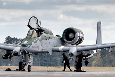 A-10 Demo Team secures the Warthog after arriving at Rome
