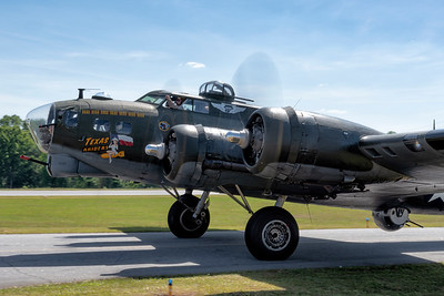 B-17 Begins to taxi