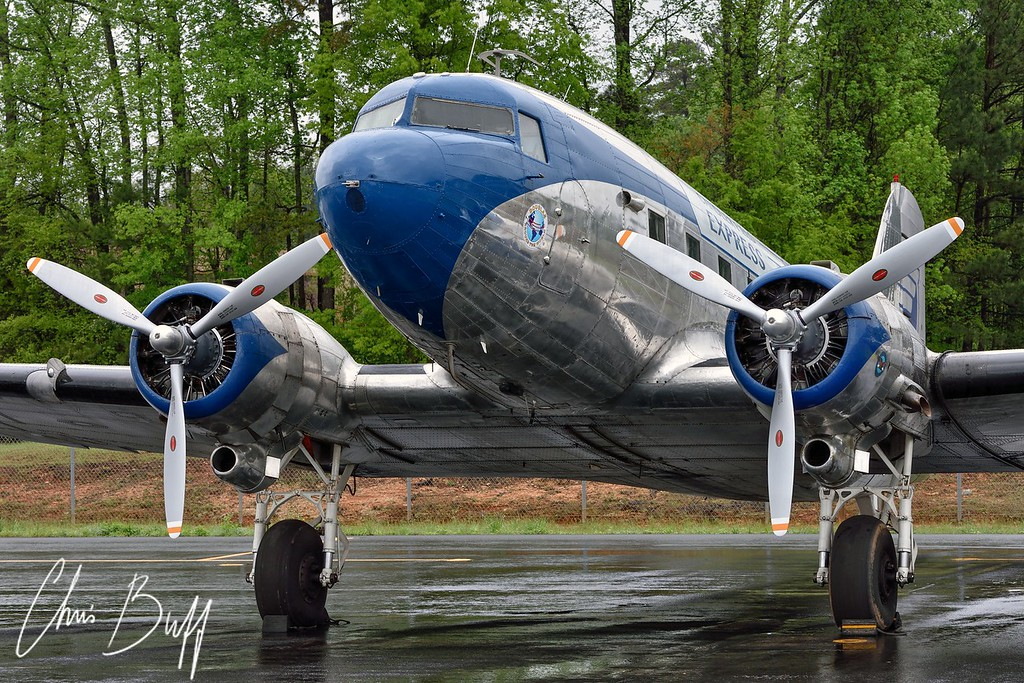 Express in the rain - 2016 Christopher Buff, www.Aviationbuff.com