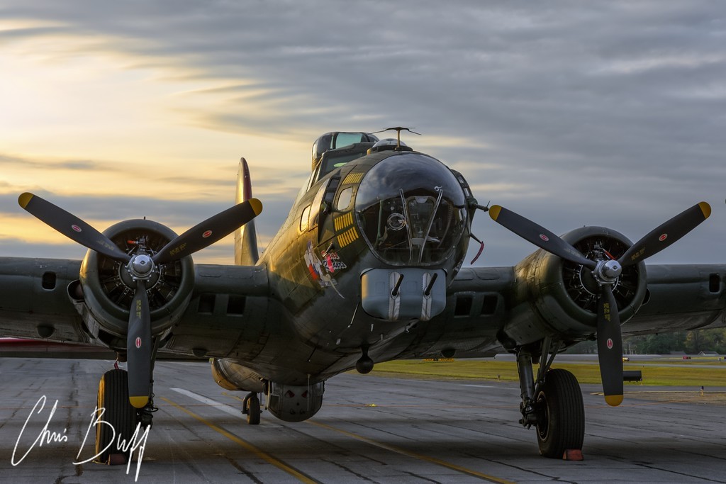 Texas Raiders at Sunrise - 2015 Christopher Buff, www.Aviationbuff.com