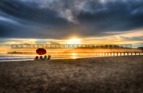 avila-beach-chairs-umbrella_0971