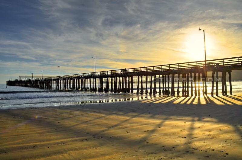 avila-beach-pier-shadows_4391