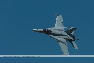 F20151003a130415_5529-F-18-Vaport trails-settings plus clair
