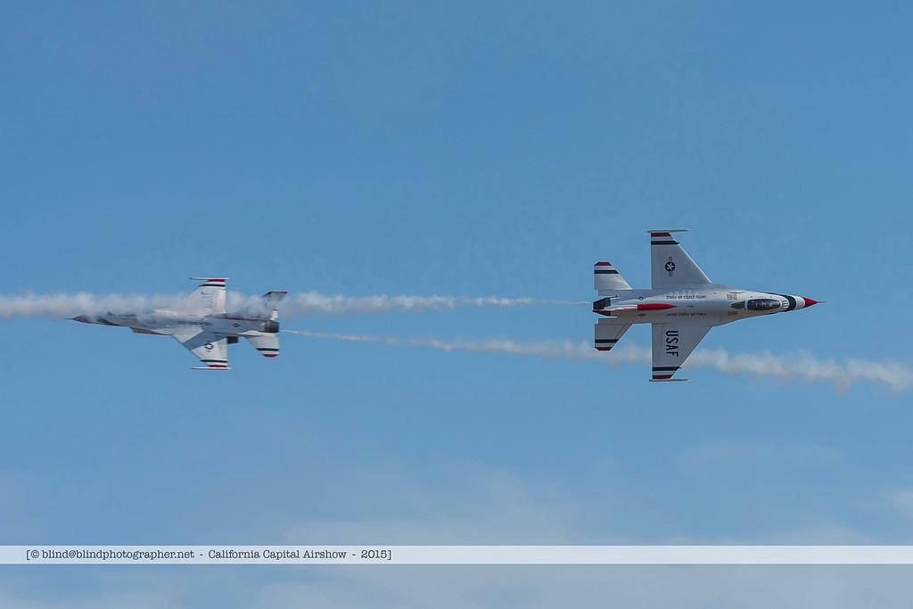 F20151004a144830_7852-F-16-Thunderbirds-in flight