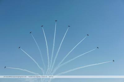 F20151003a135652_5946-Snowbirds-x9-splitting