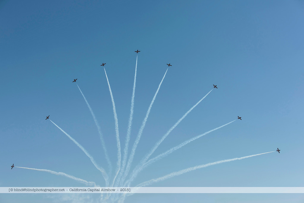F20151003a135652_5946-Snowbirds-x9-splitting