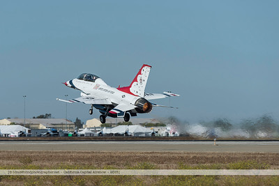 F20151002a103254_2745-F-16-Thunderbirds-take-off