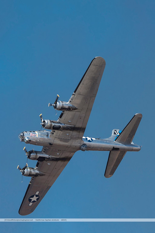 F20151004a123224_6893-B-17-in flight