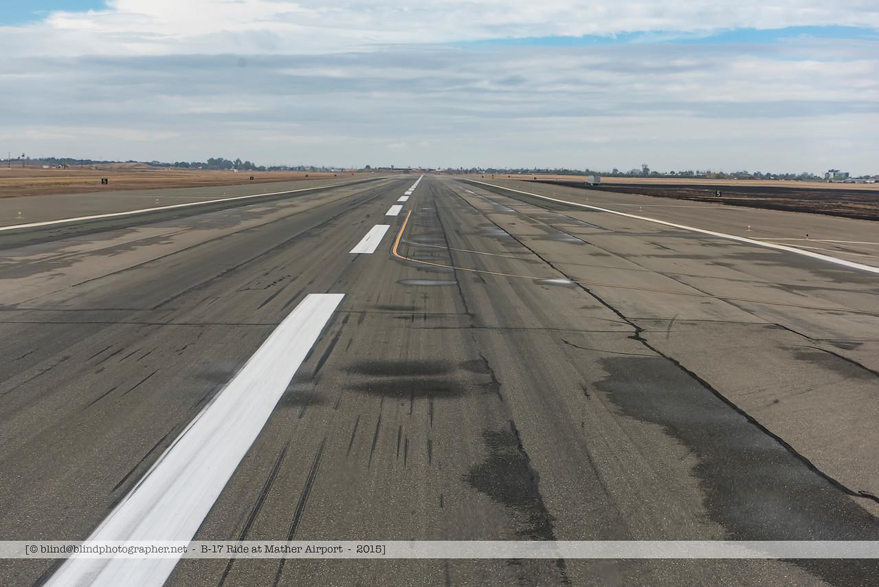 F20151001a114520_2185-B-17-Landing-Nose