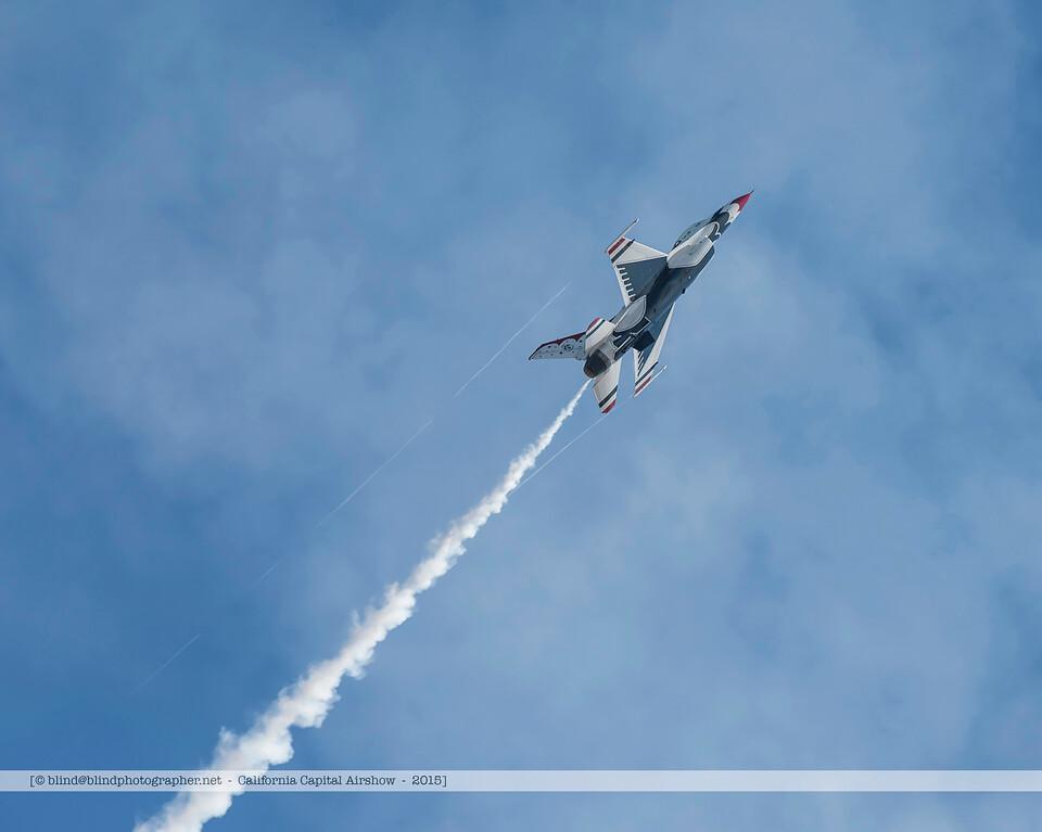 F20151002a145050_3878-Thunderbirds-F-16-show