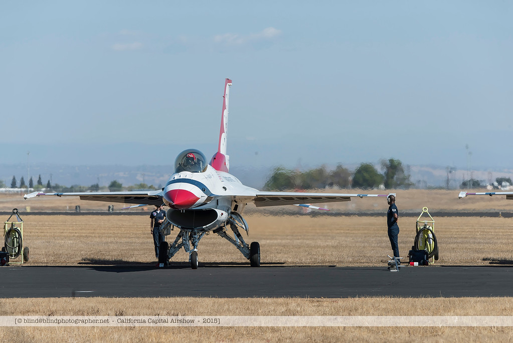 F20151002a141151_3633-Thunderbirds-F-16-getting ready for take-off